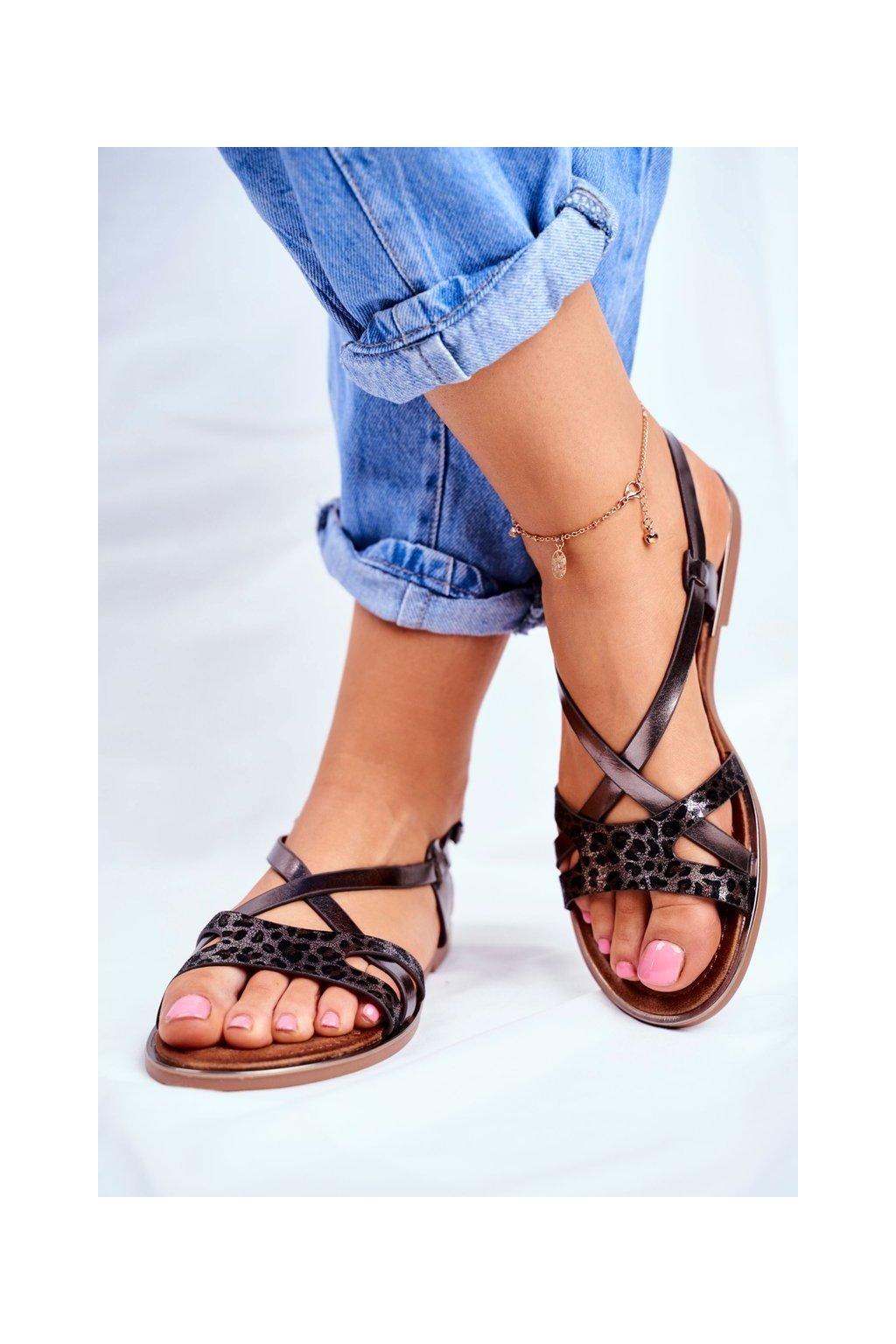Dámske sandále s plochou podrážkou farba čierna kód obuvi 729-43 PEWTER
