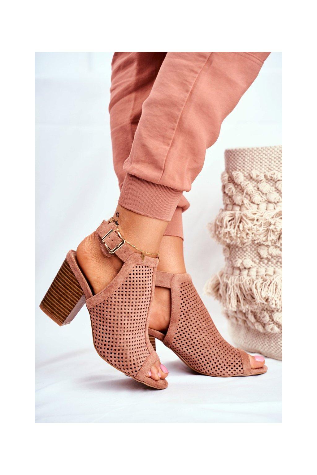 Členkové topánky na podpätku farba ružová kód obuvi B-126 PINK