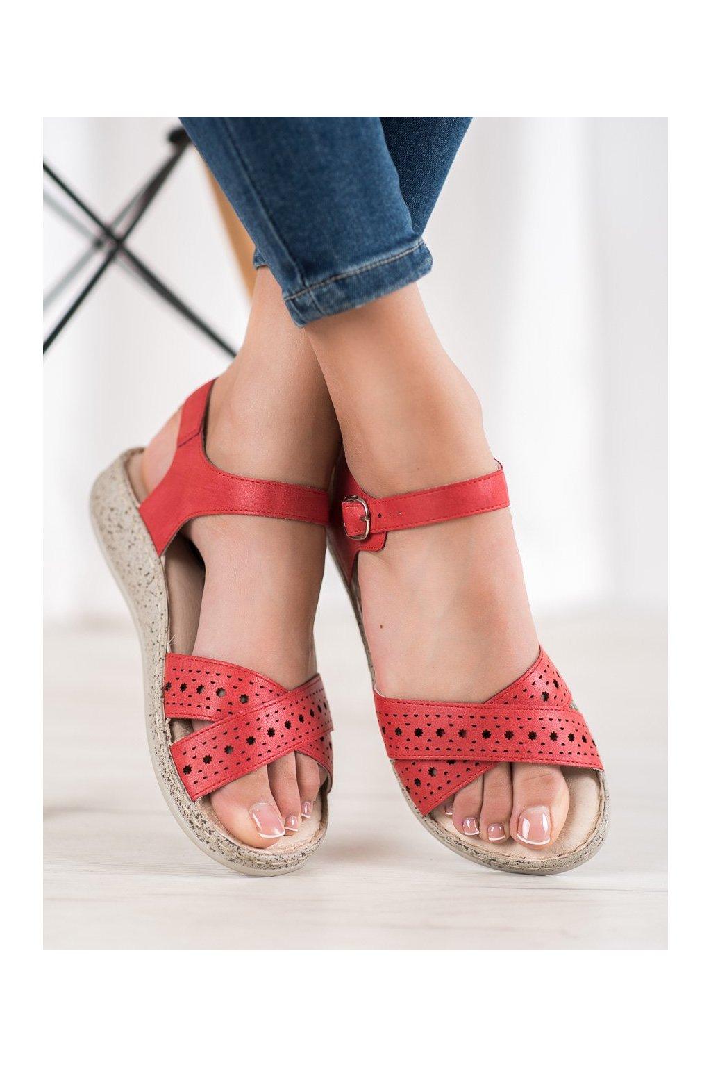 Červené sandále s plochou podrážkou na platforme Shelovet kod B119-05-02ROJO