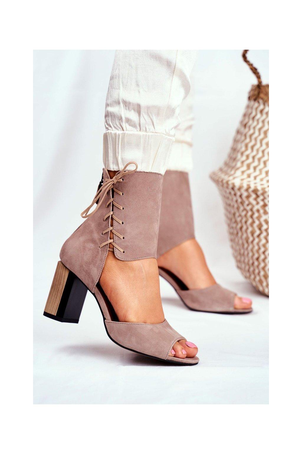 Dámske sandále na podpätku farba hnedá kód obuvi 04122-04/00-5 BEŻ