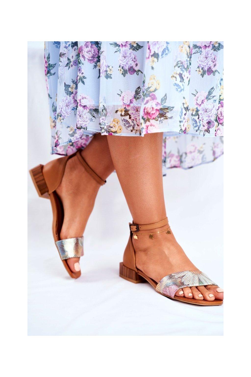 Dámske sandále s plochou podrážkou farba hnedá kód obuvi 04618-29/00-5 RUDY