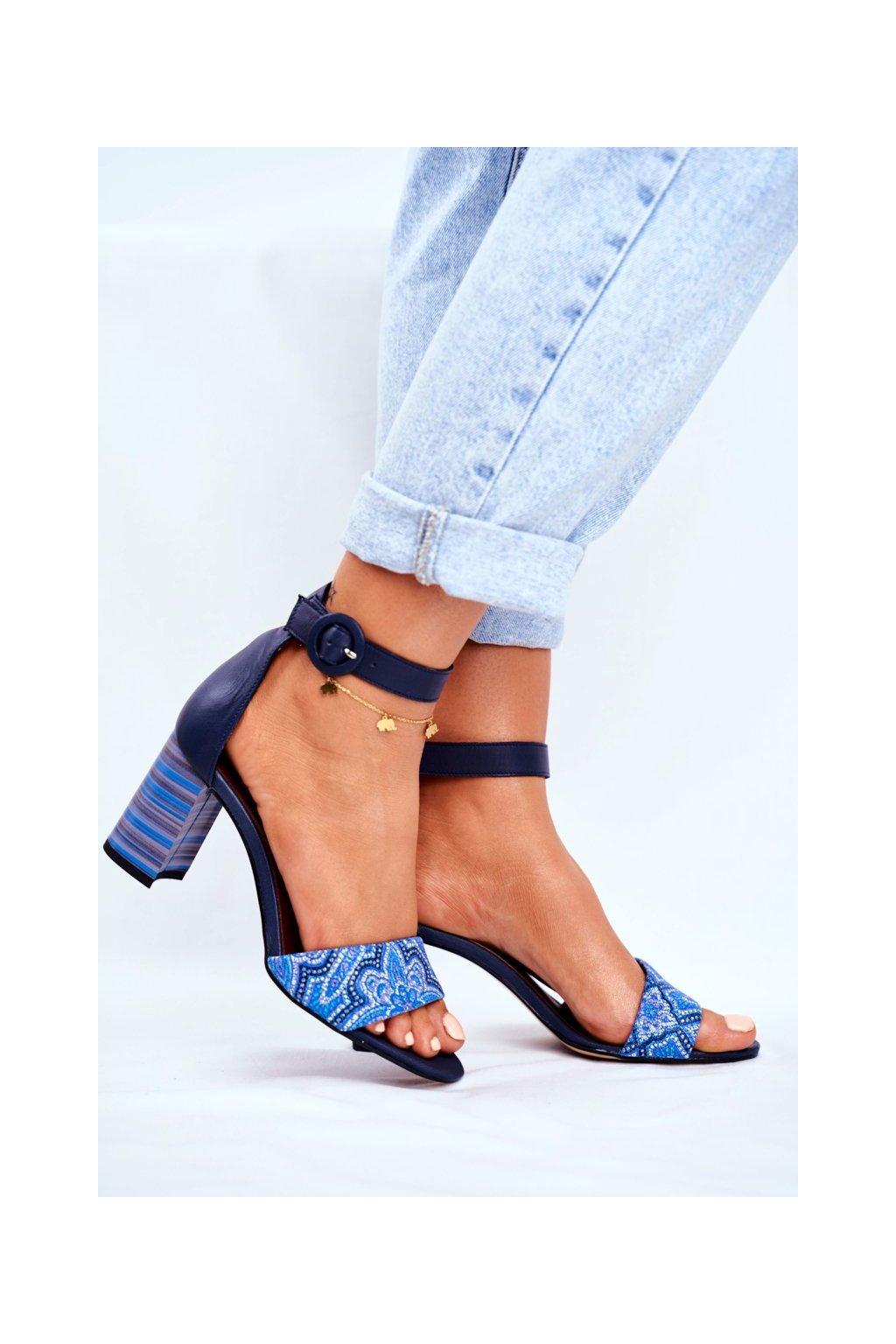 Dámske sandále na podpätku farba modrá kód obuvi 04235-17/00-5 NAVY