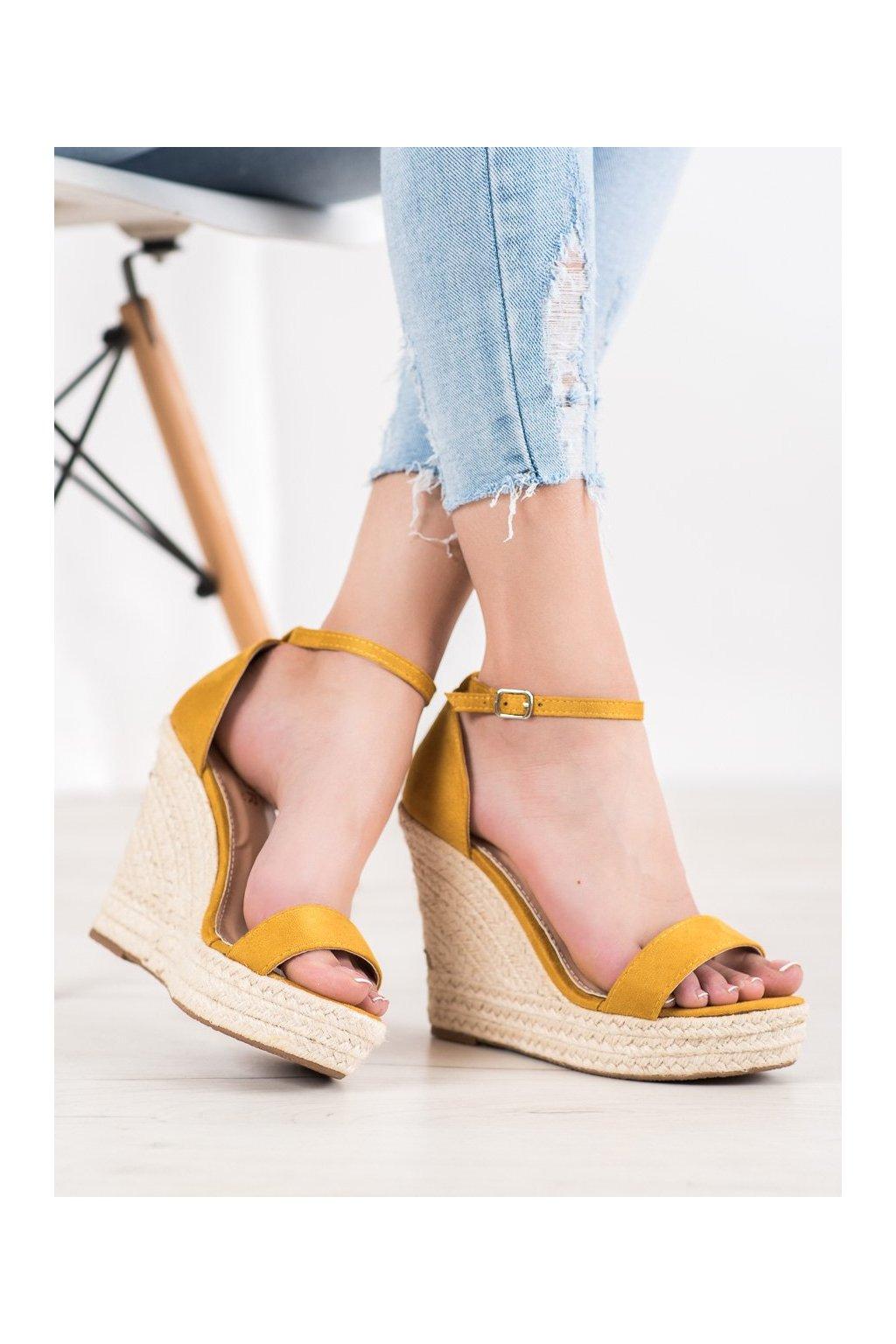 Žlté sandále na platforme Shelovet kod NGSJ-3Y