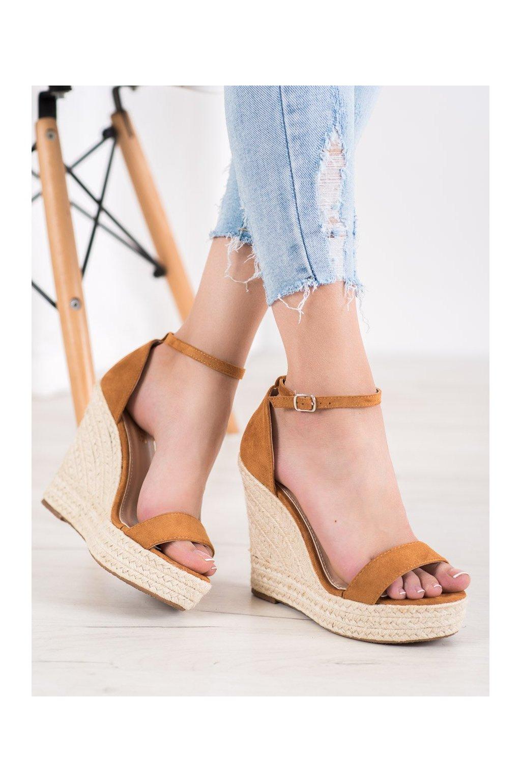 Hnedé sandále na platforme Shelovet kod NGSJ-3C