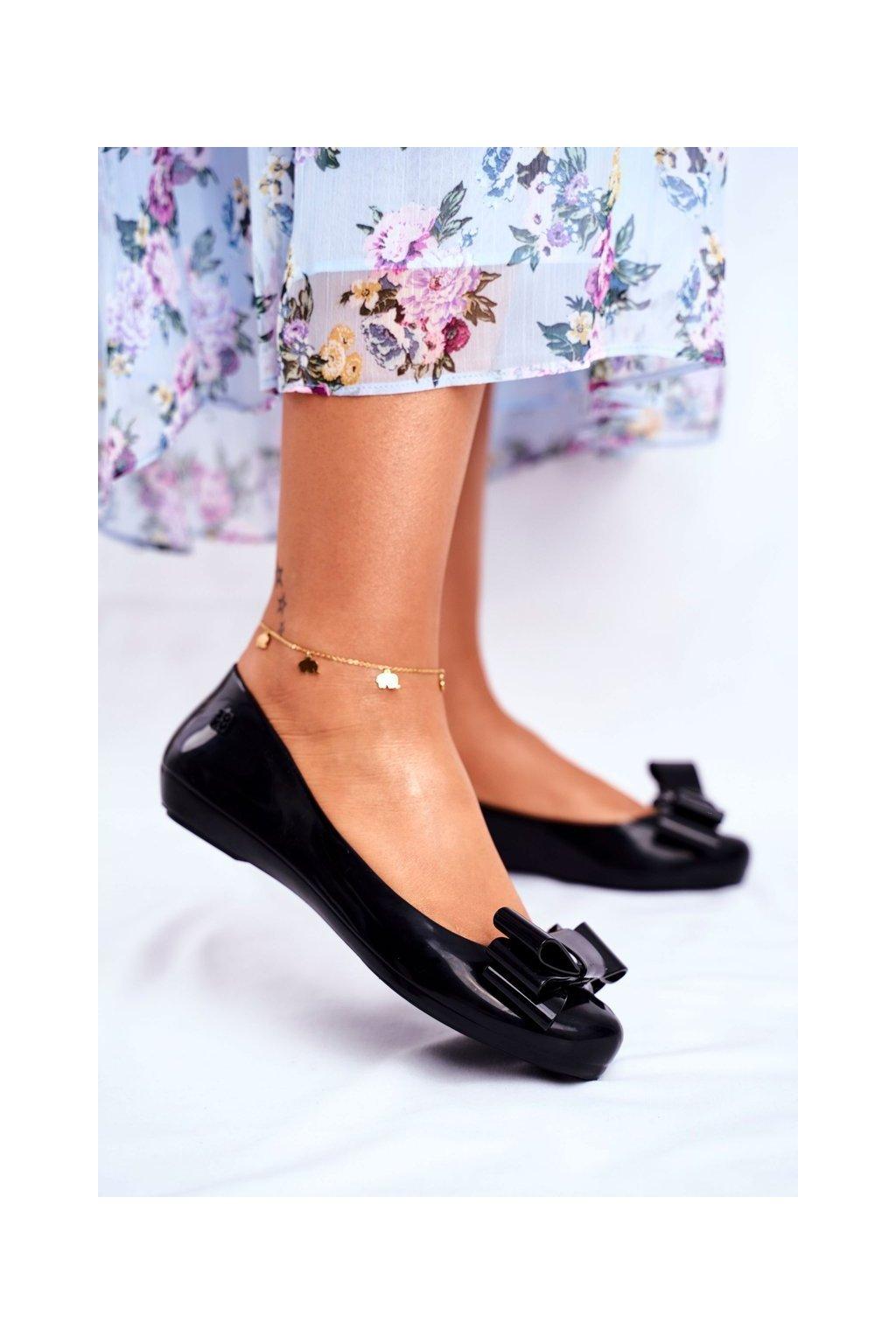 Dámske balerínky farba čierna kód obuvi FF285057 BLK