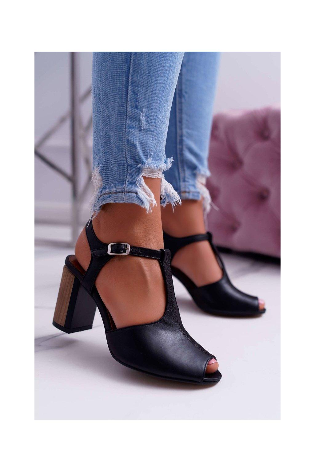 Dámske sandále farba čierna kód obuvi 04117-01/00-1 BLK