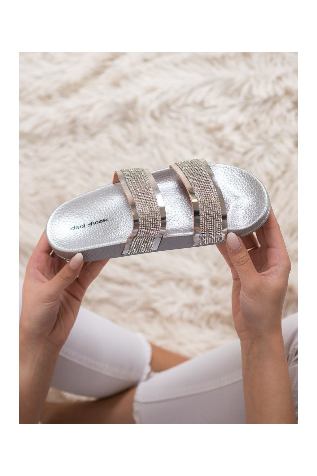 Sivé šľapky Ideal shoes kod K-9177S