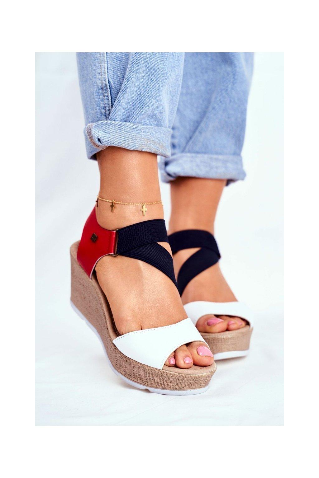 Dámske sandále na platforme farba biela kód obuvi FF276014 WHITE/NAVY/RED