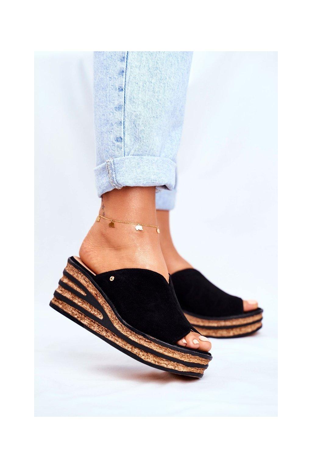 Dámske šľapky farba čierna kód obuvi 2559 024 BLK