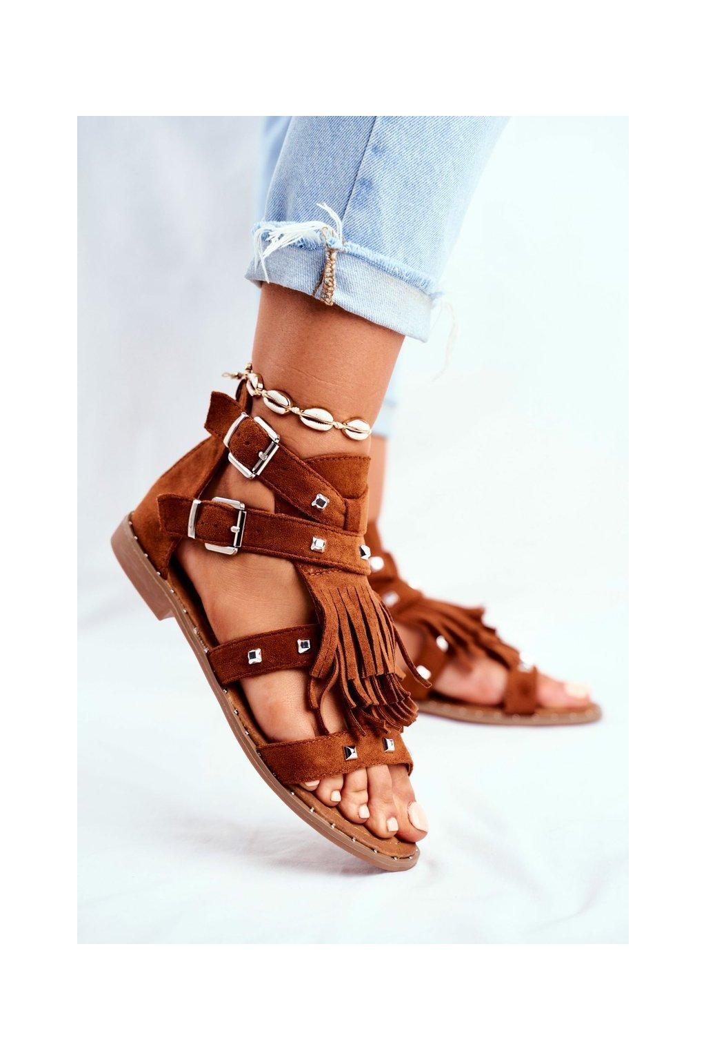 Dámske sandále s plochou podrážkou farba hnedá kód obuvi 100-150SA CAMEL