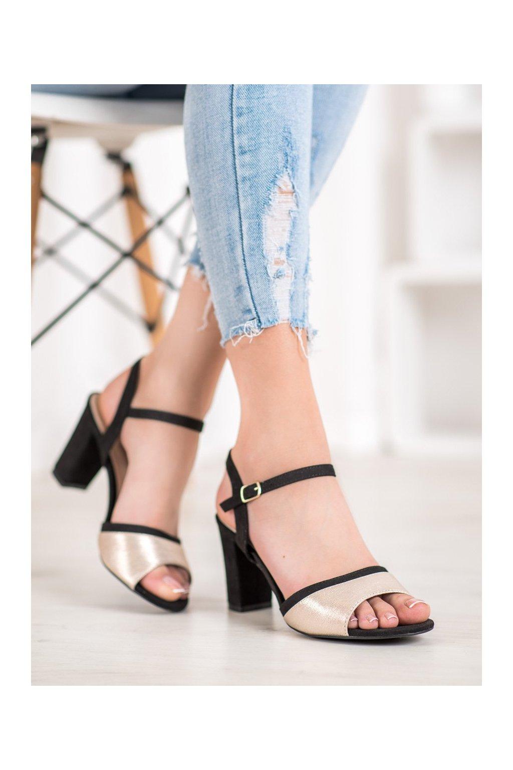 Čierne sandále Filippo kod DS777/20B/GO