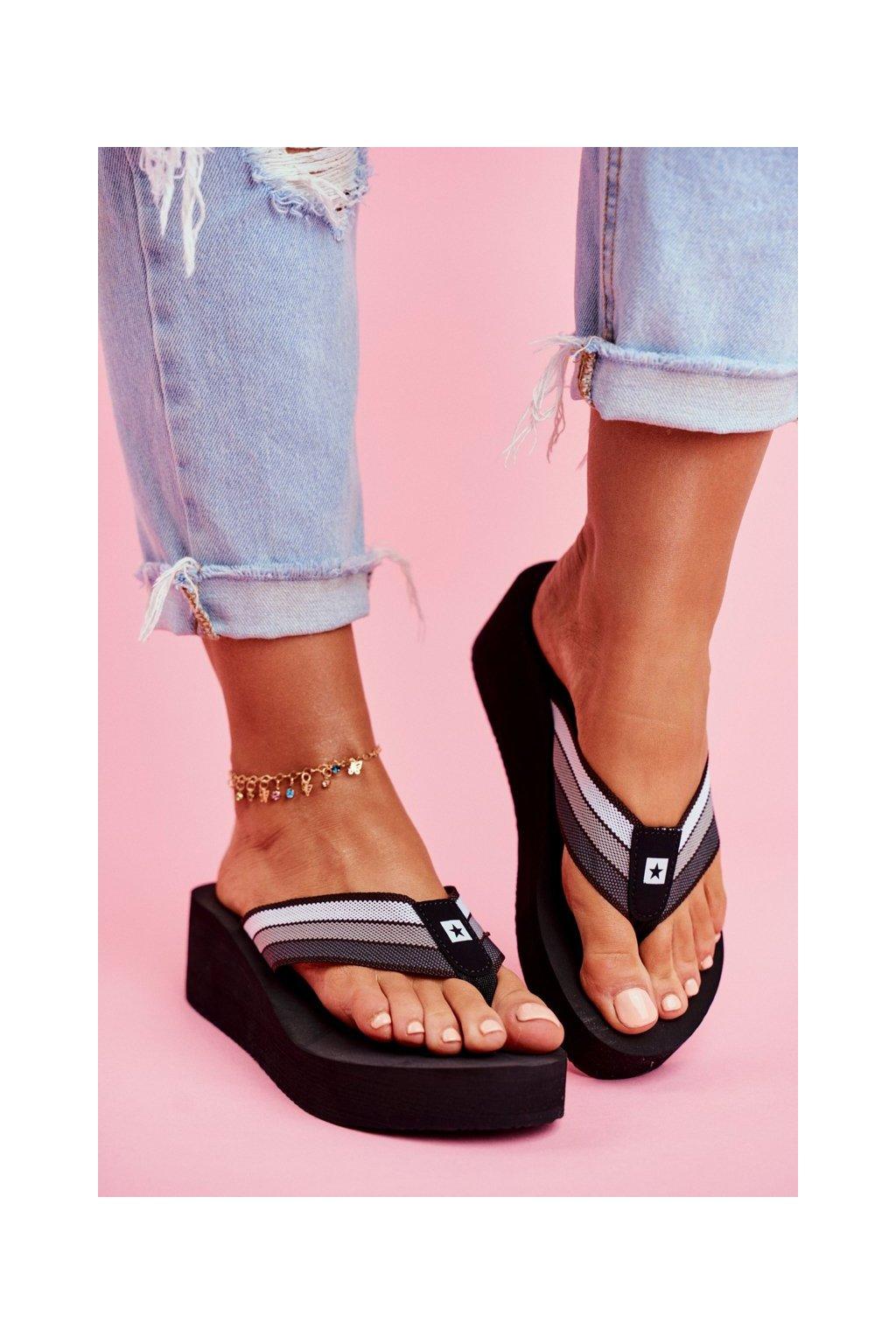 Dámske šľapky farba čierna kód obuvi FF274A300 BLK
