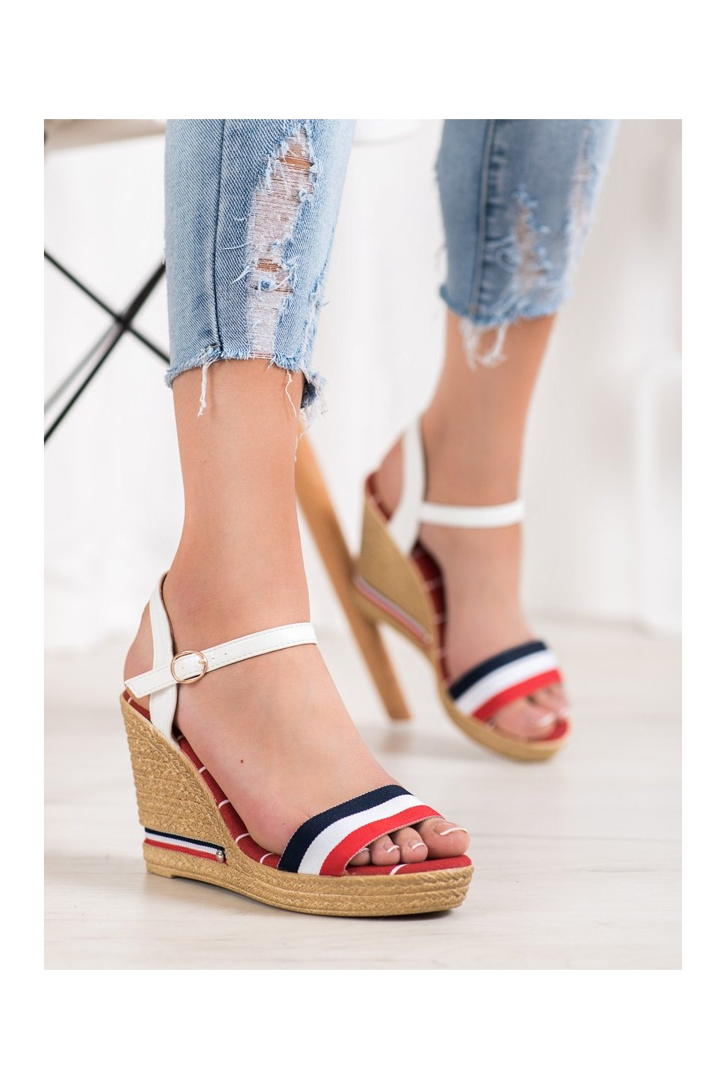 Viacfarebné sandále na platforme Yes mile kod 9S0356R