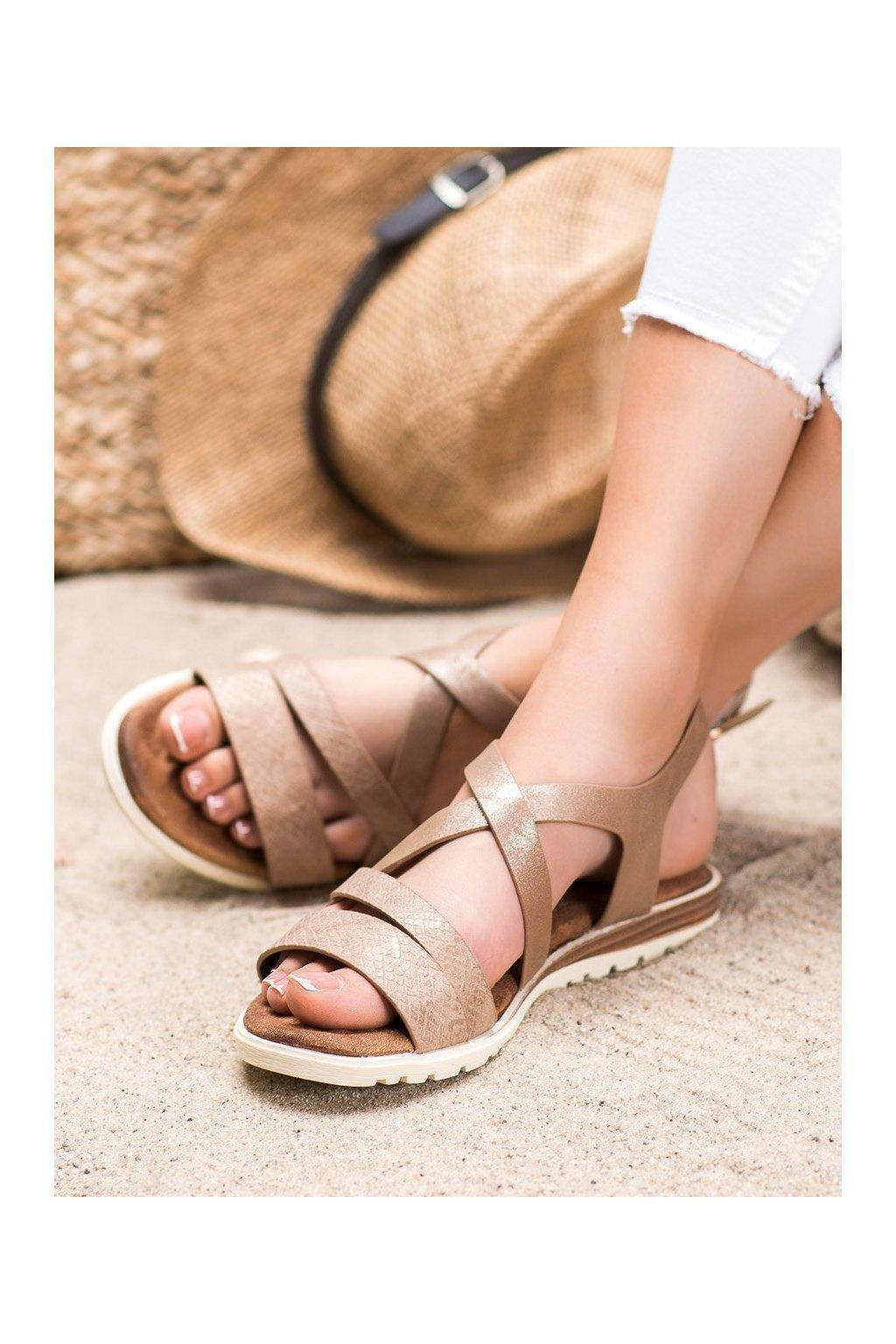 Hnedé sandále s plochou podrážkou Evento kod 20SD14-2064BR
