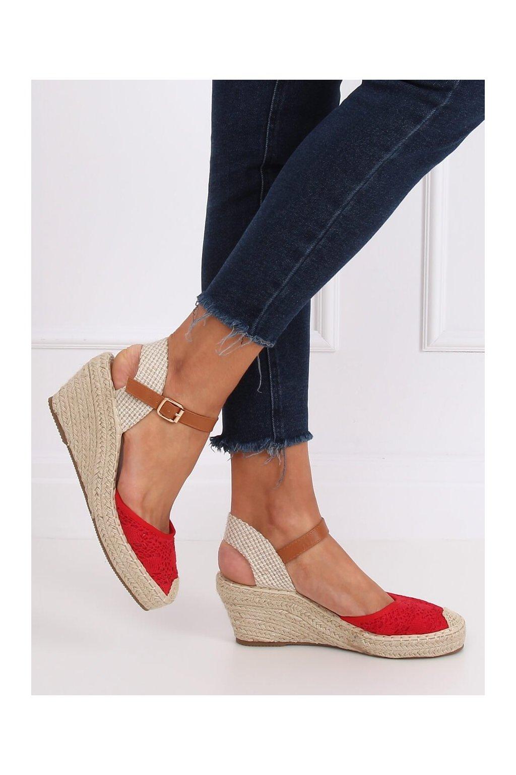 Dámske sandále červené na platforme S-819