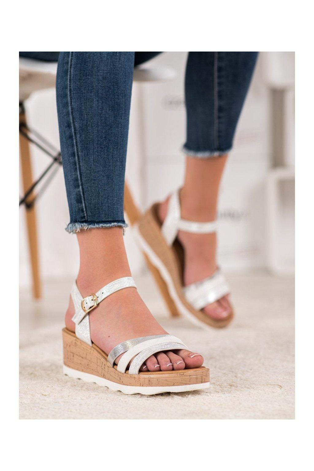 Biele sandále Weide kod Y612W
