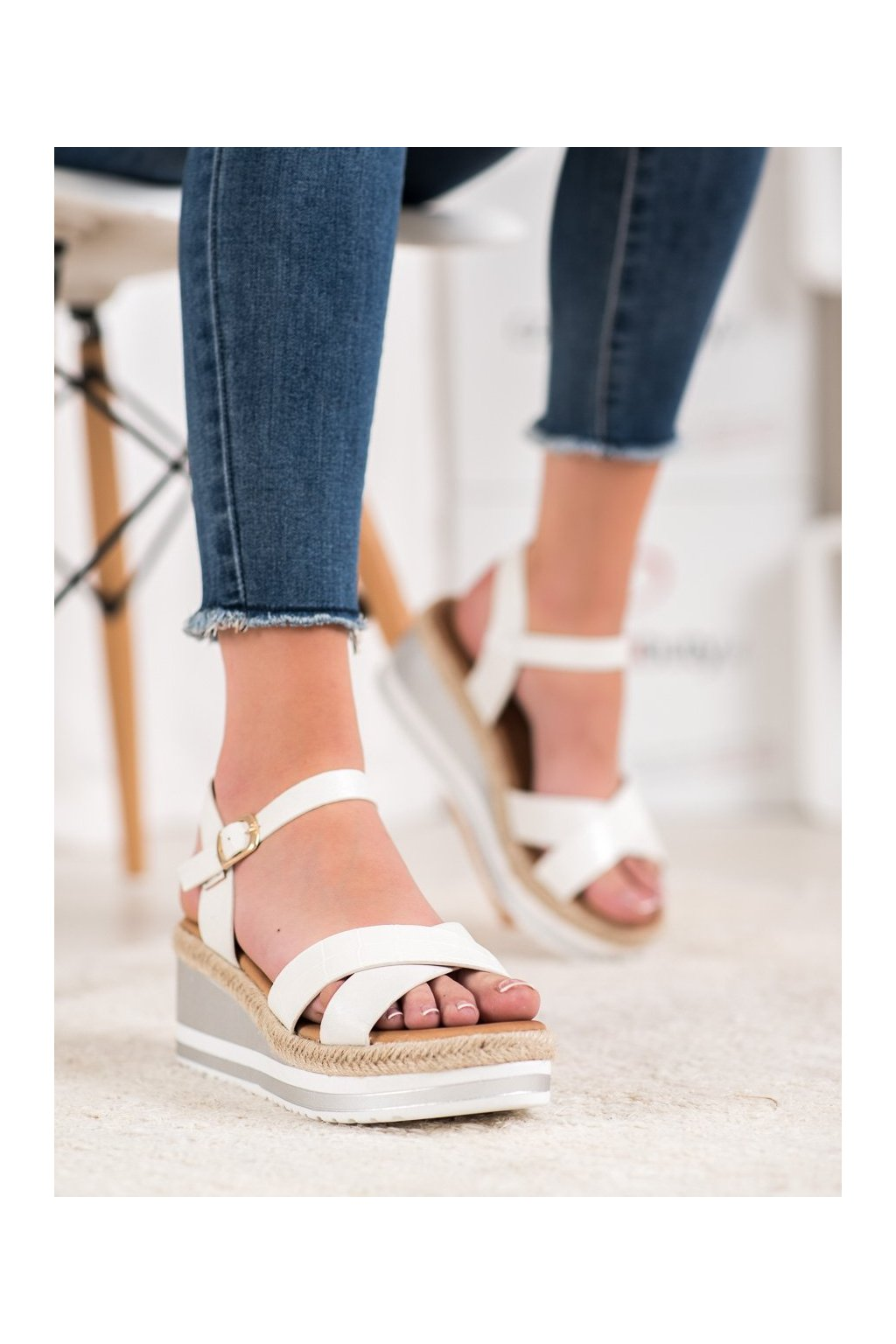 Biele sandále Weide kod Y606W