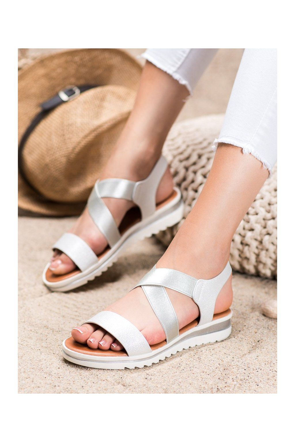 Biele sandále Weide kod Y658W