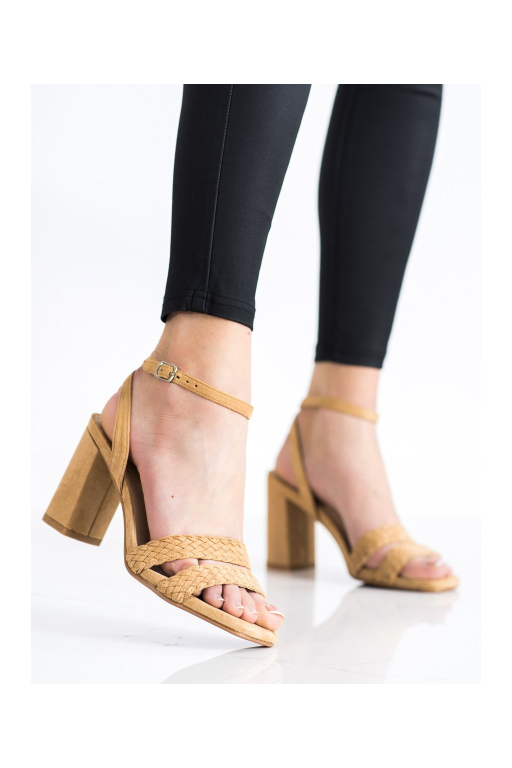 Hnedé sandále Kylie kod K2012501T