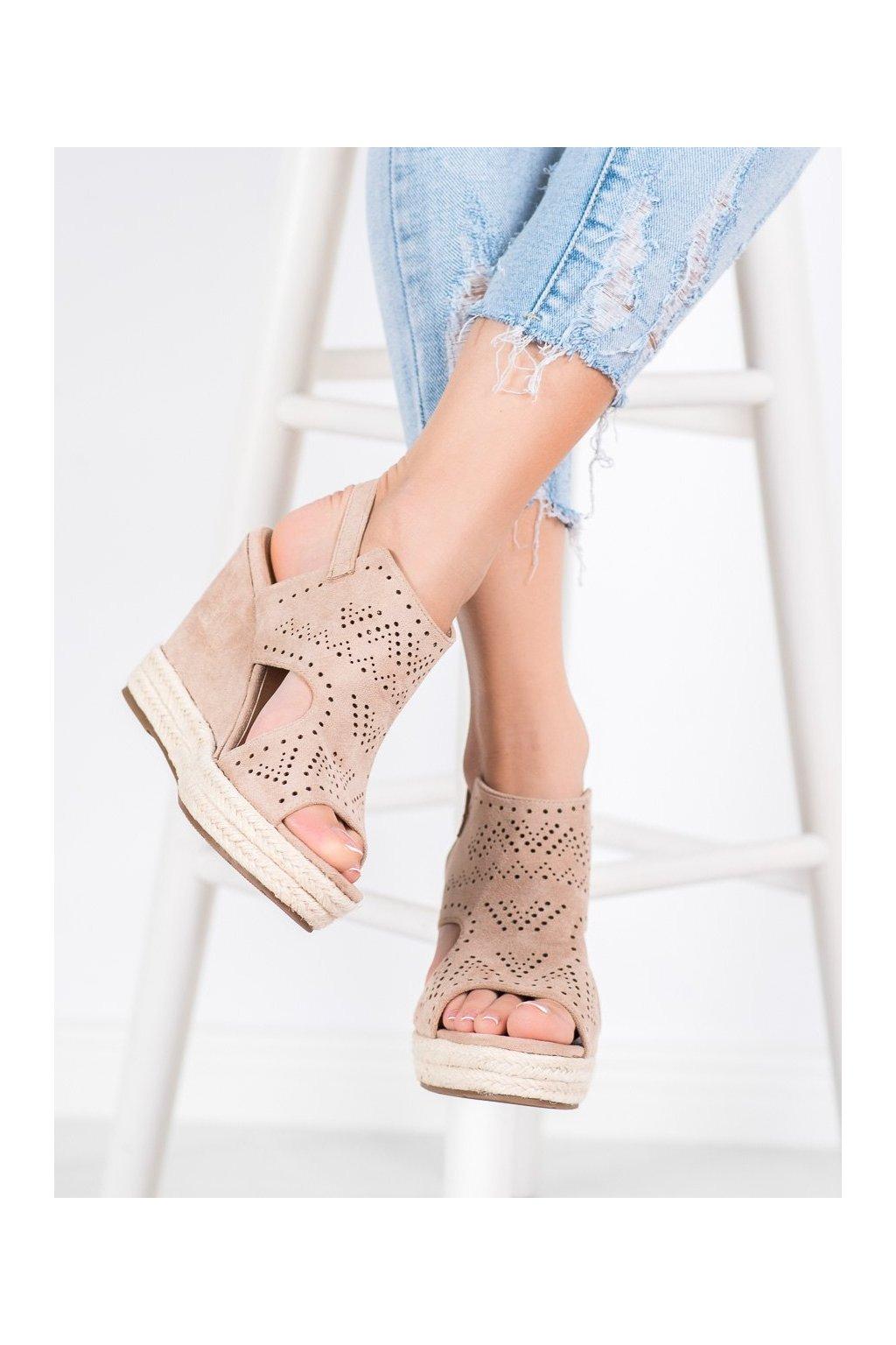 Hnedé sandále Shelovet kod LL919BE