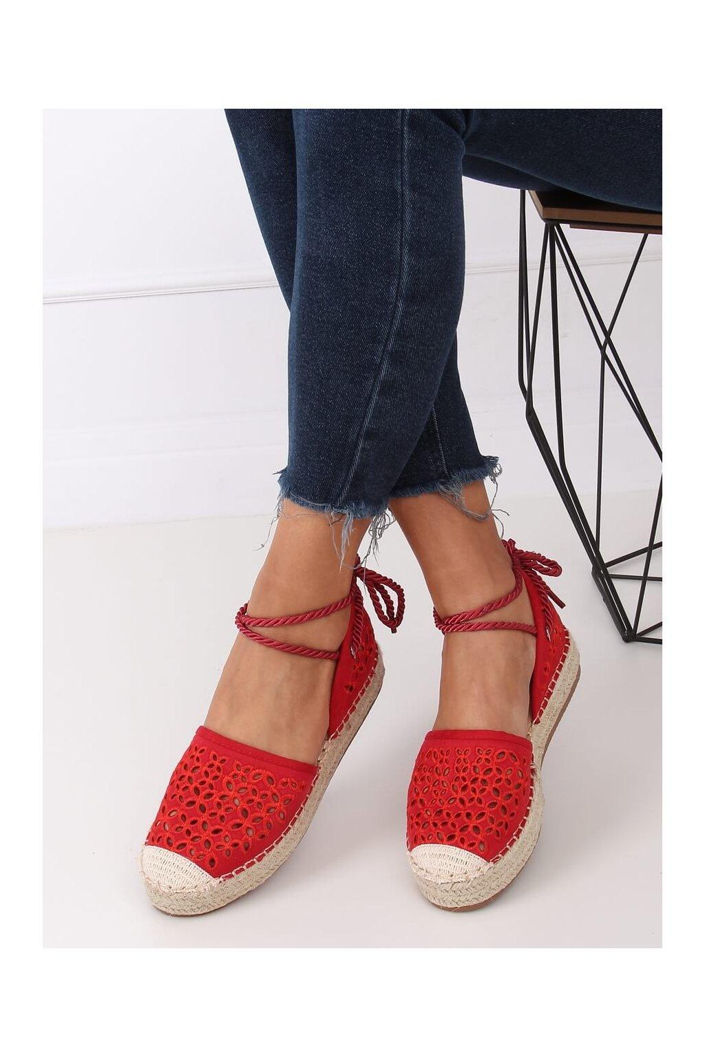 Dámske sandále s plochou podrážkou červené na plochom podpätku G1573