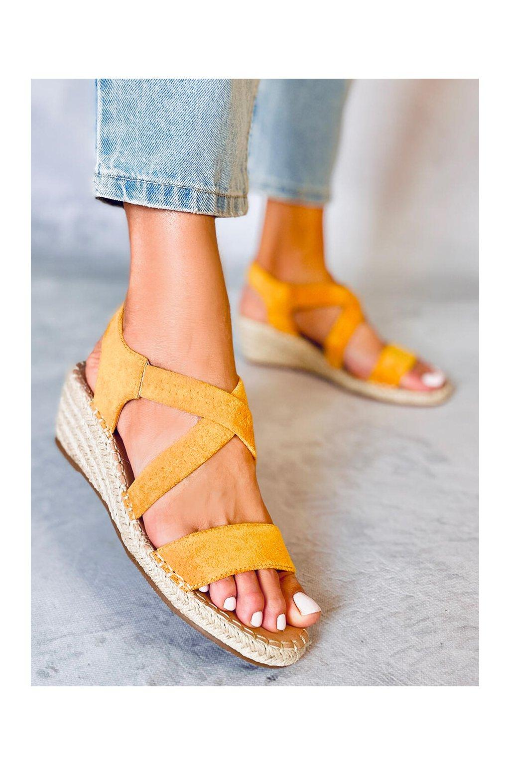 Dámske sandále žlté na platforme S-823