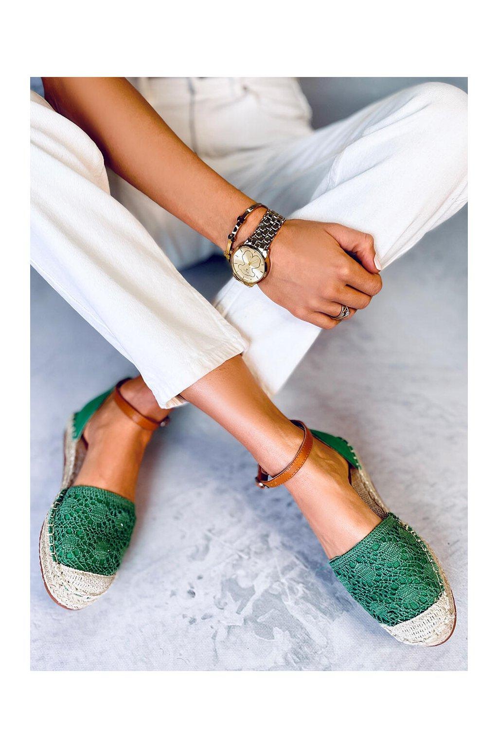 Dámske sandále zelené na plochom podpätku 3035