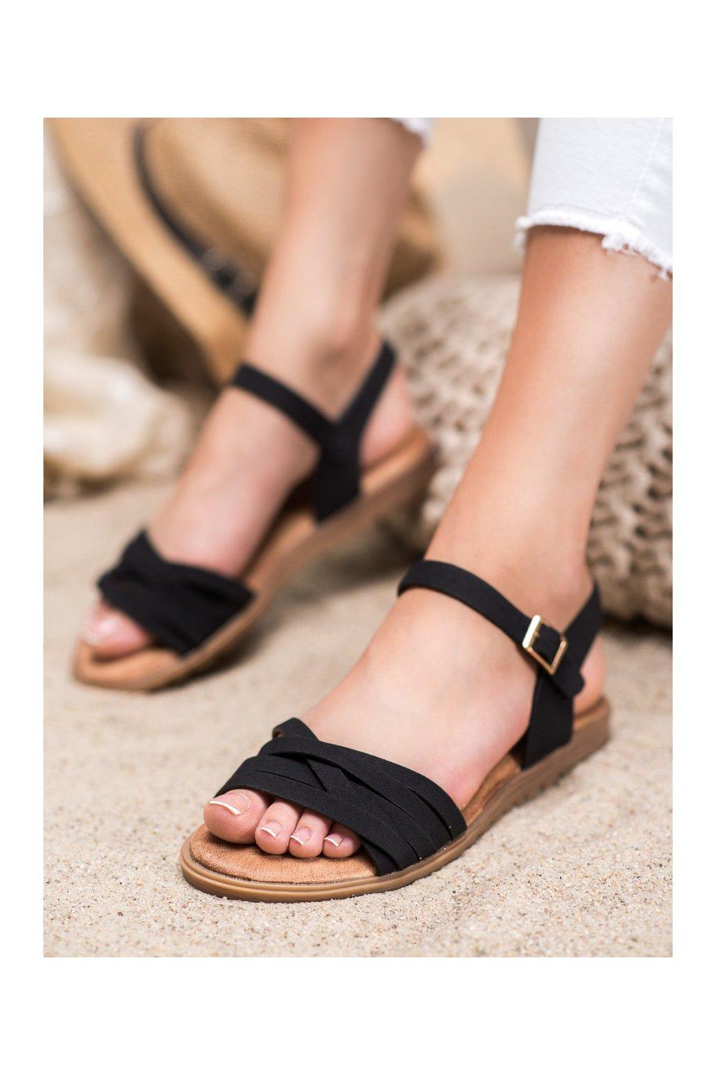 Čierne sandále s plochou podrážkou Evento kod 20SD14-2065B