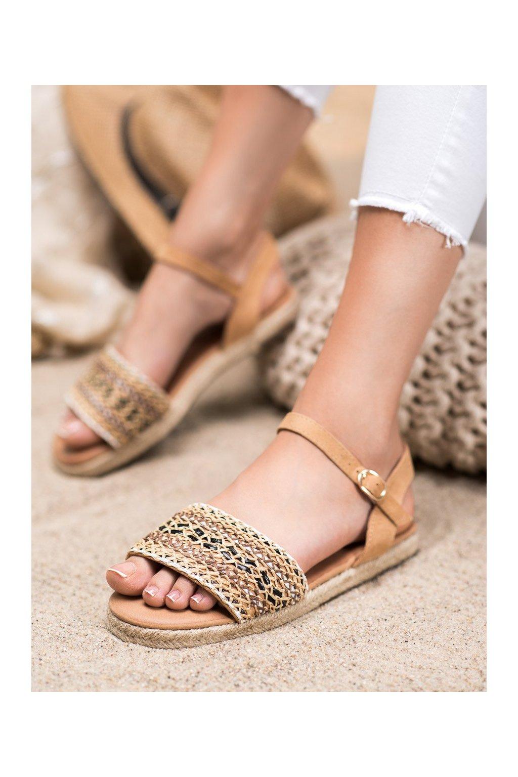Hnedé sandále Shelovet kod WH933BE