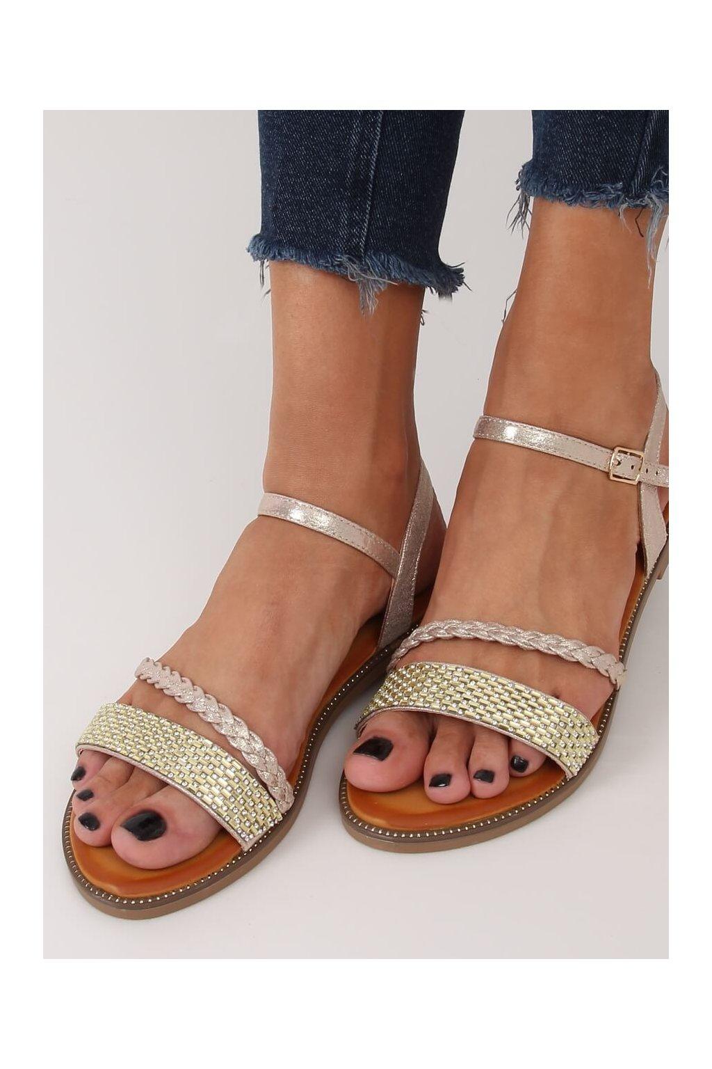 Dámske sandále s plochou podrážkou zlaté na plochom podpätku 620-62