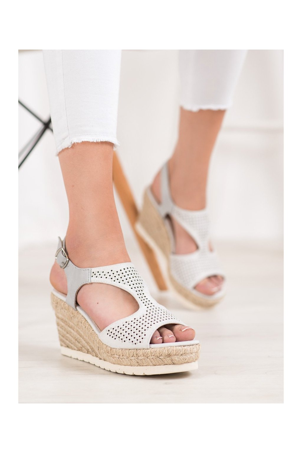 Sivé sandále na platforme Aclys kod A119-06-02PIE