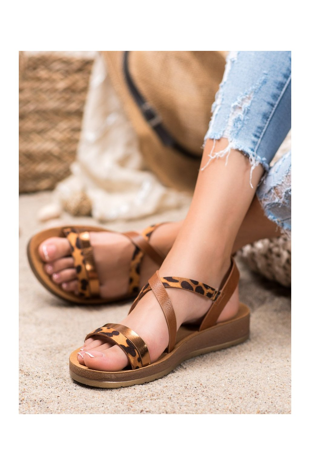 Hnedé sandále Shelovet kod P597C
