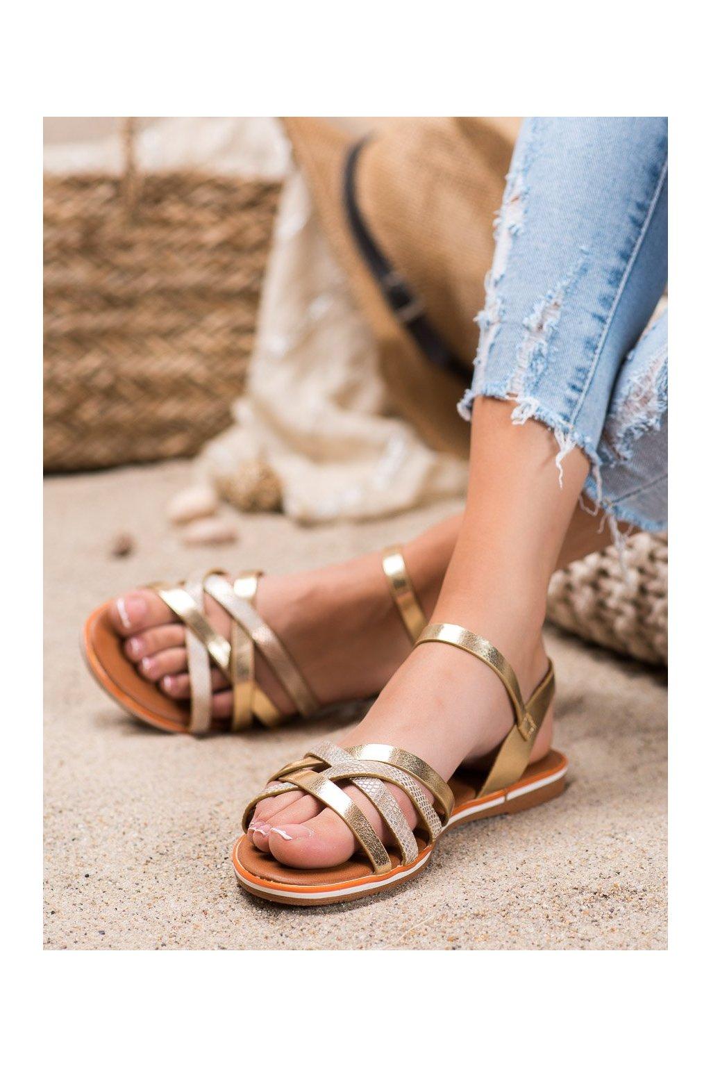 Zlaté sandále s plochou podrážkou Nio nio kod 99-62-GO
