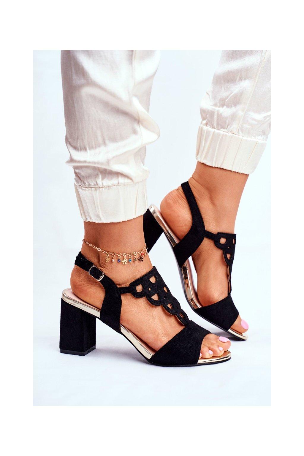 Dámske sandále na podpätku farba čierna kód obuvi 20-17080 BLK