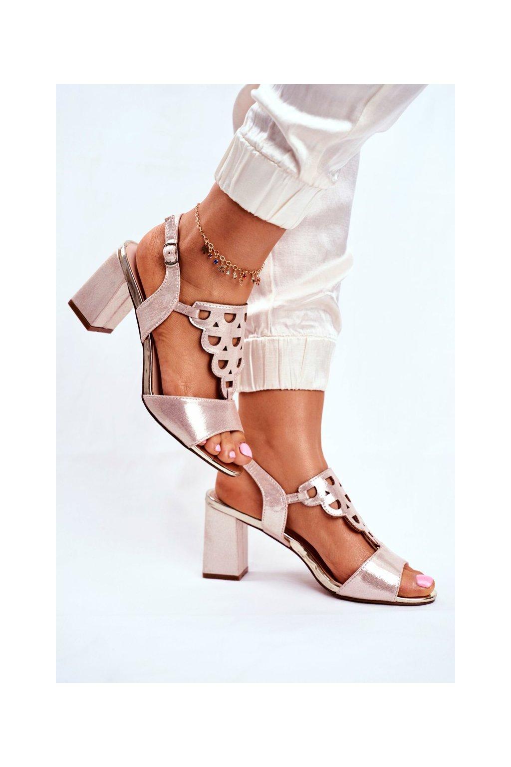 Dámske sandále na podpätku farba žltá kód obuvi 20-17080 GOLD