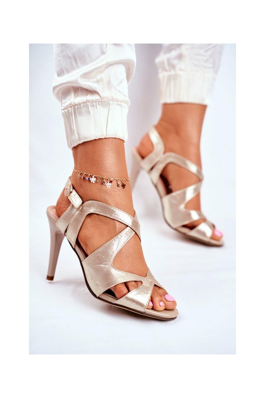 Dámske sandále na podpätku farba žltá kód obuvi SK427 GOLD