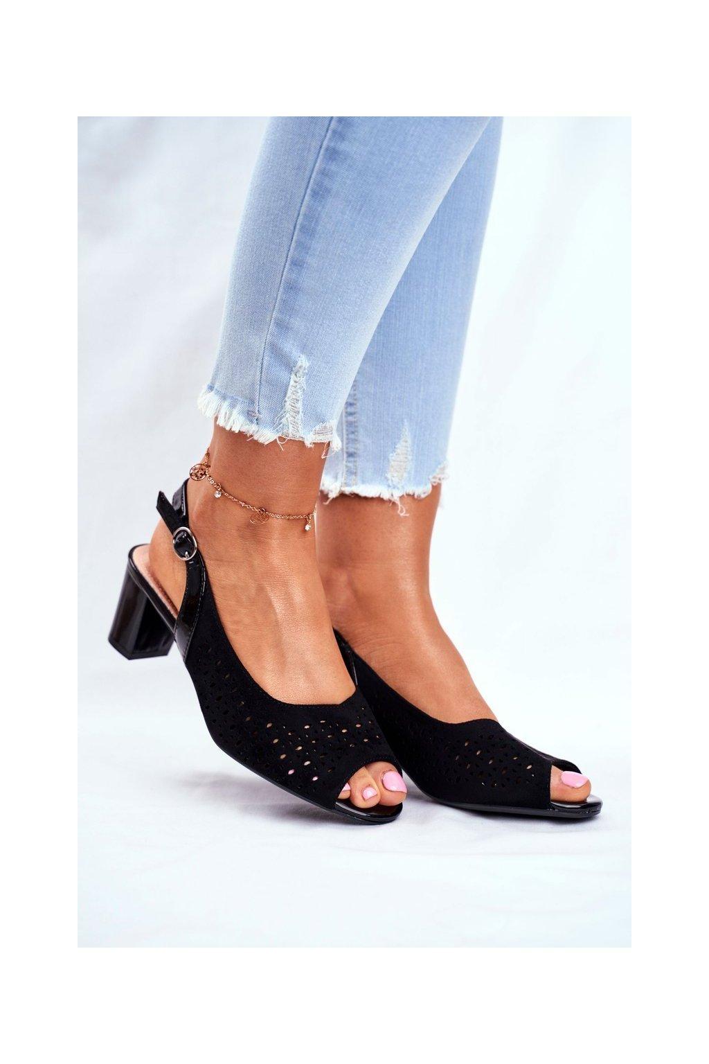 Dámske sandále na podpätku farba čierna kód obuvi SK823 BLK MIC