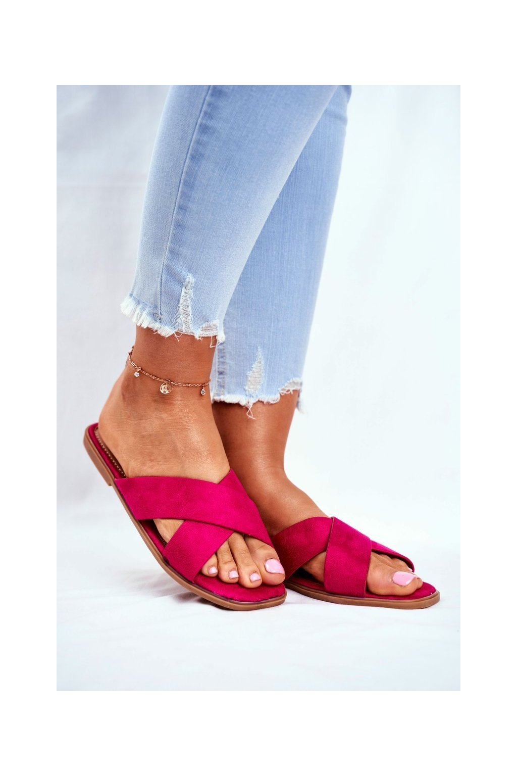 Dámske šľapky farba ružová kód obuvi WL057 FUCHSIA