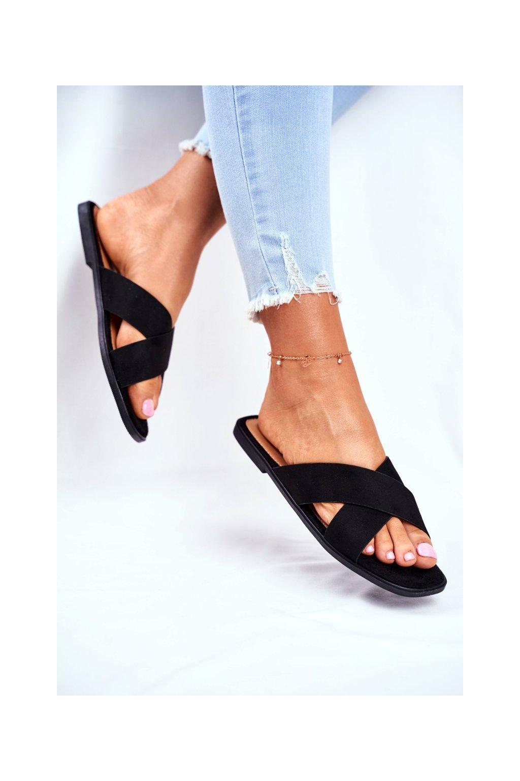 Dámske šľapky farba čierna kód obuvi WL057 BLK