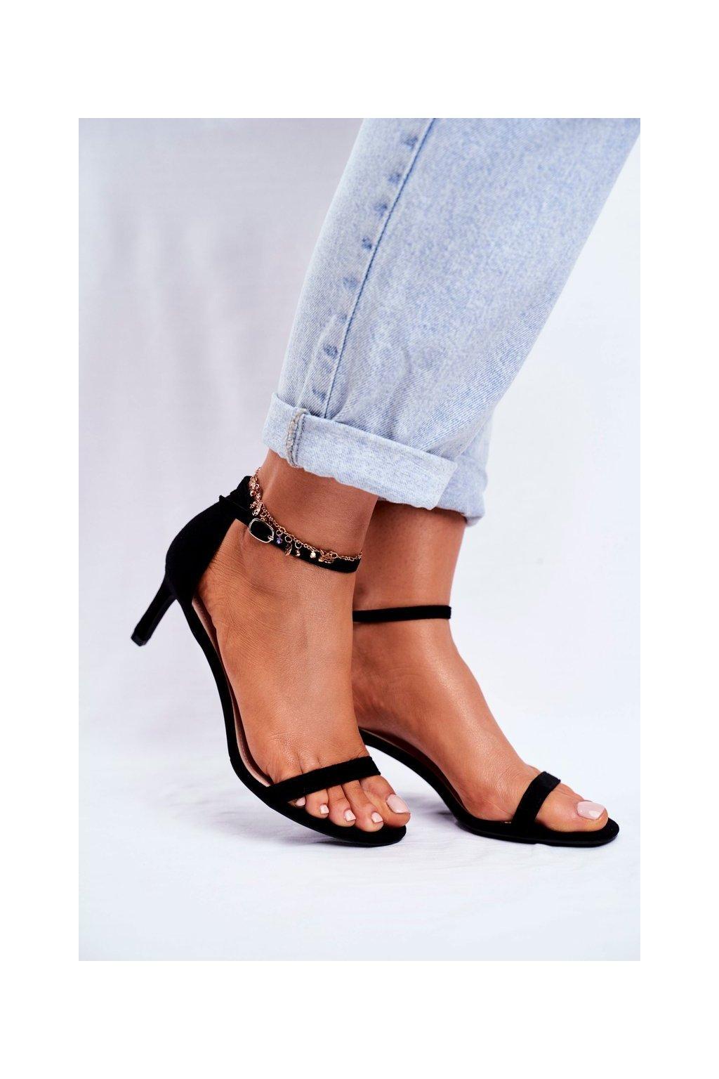 Dámske sandále na podpätku farba čierna kód obuvi NF34 BLK