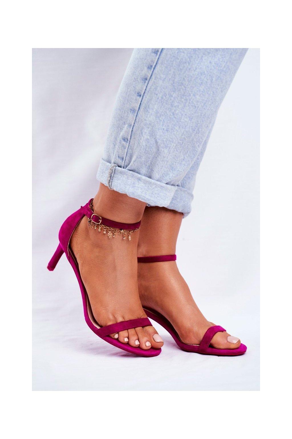 Dámske sandále na podpätku farba ružová kód obuvi NF34 FUCHSIA