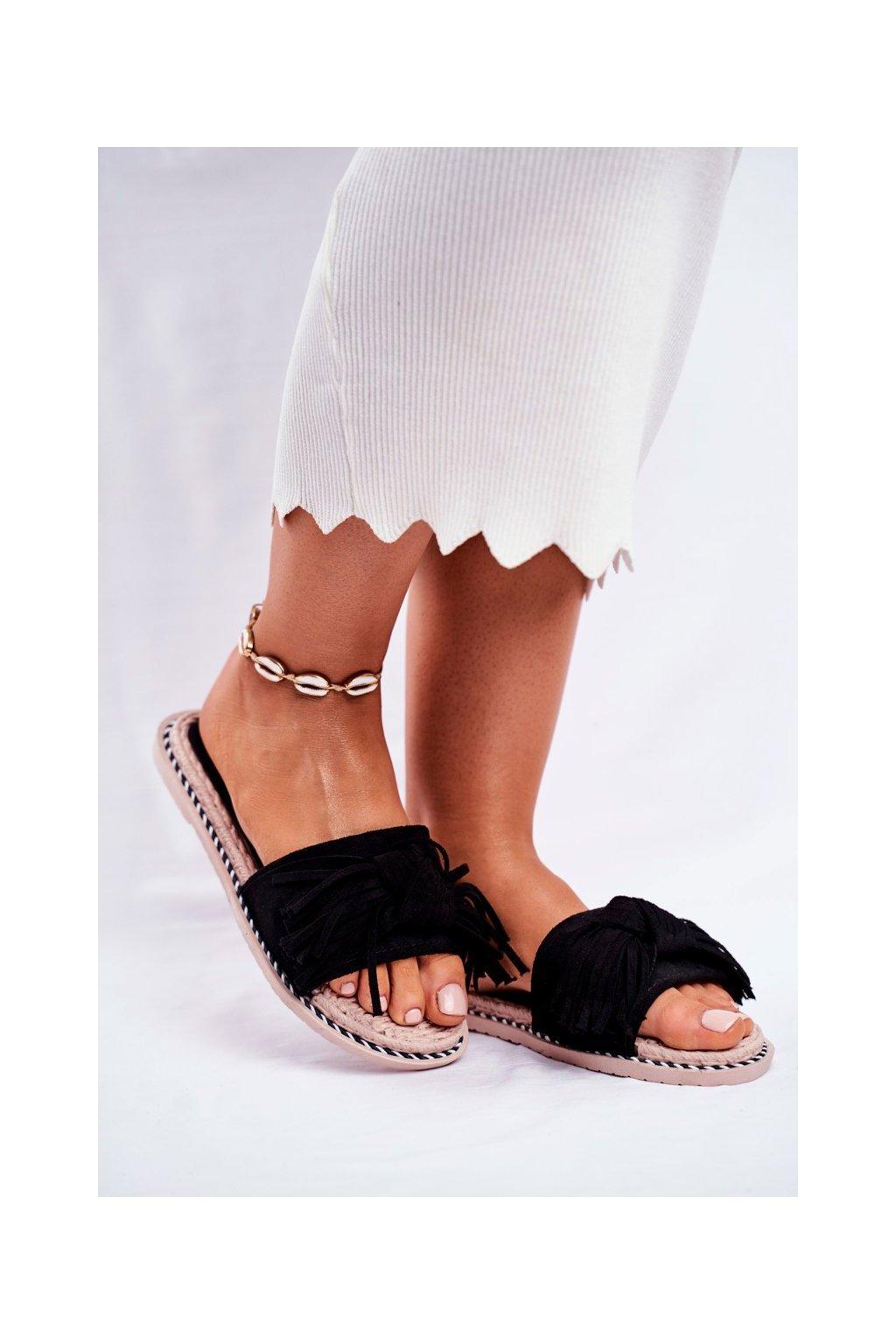 Dámske šľapky farba čierna kód obuvi CK159 BLK