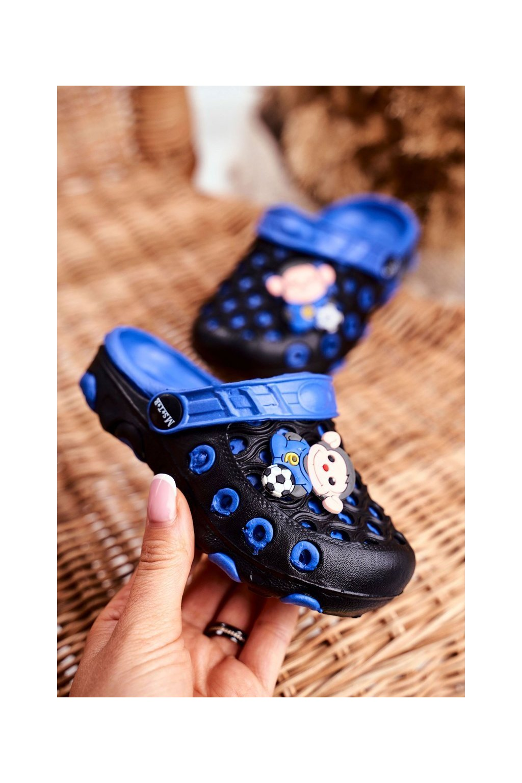 Detské šľapky farba čierna kód obuvi S3K03 BLACK ROYAL