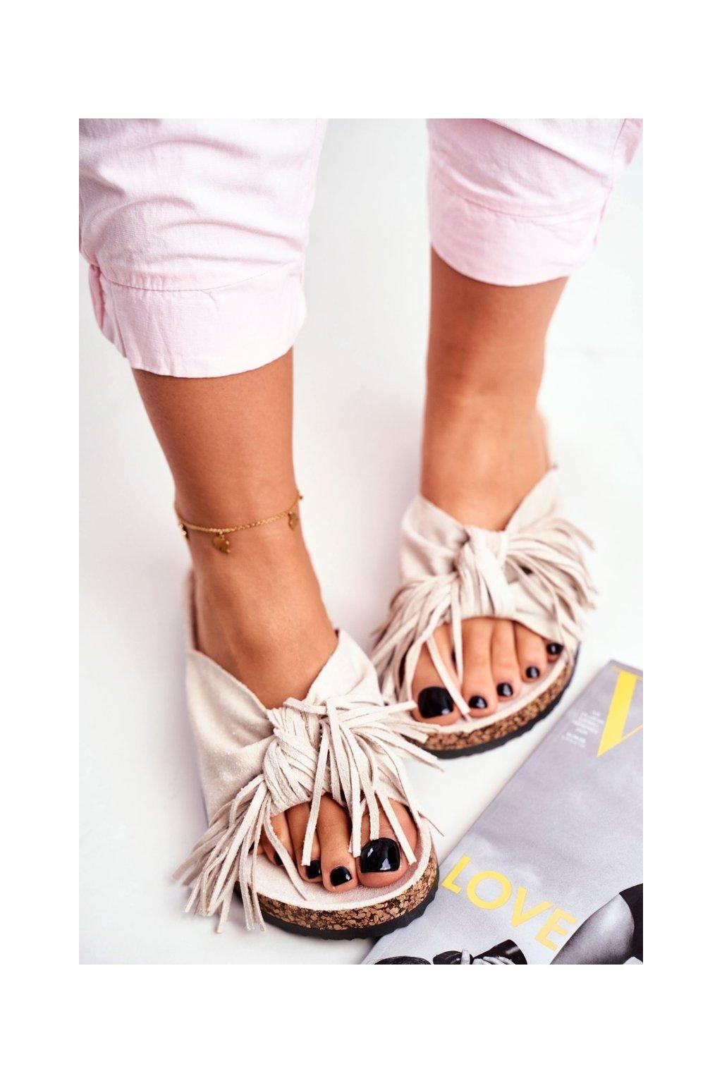 Dámske šľapky farba hnedá kód obuvi AM027 CREAM