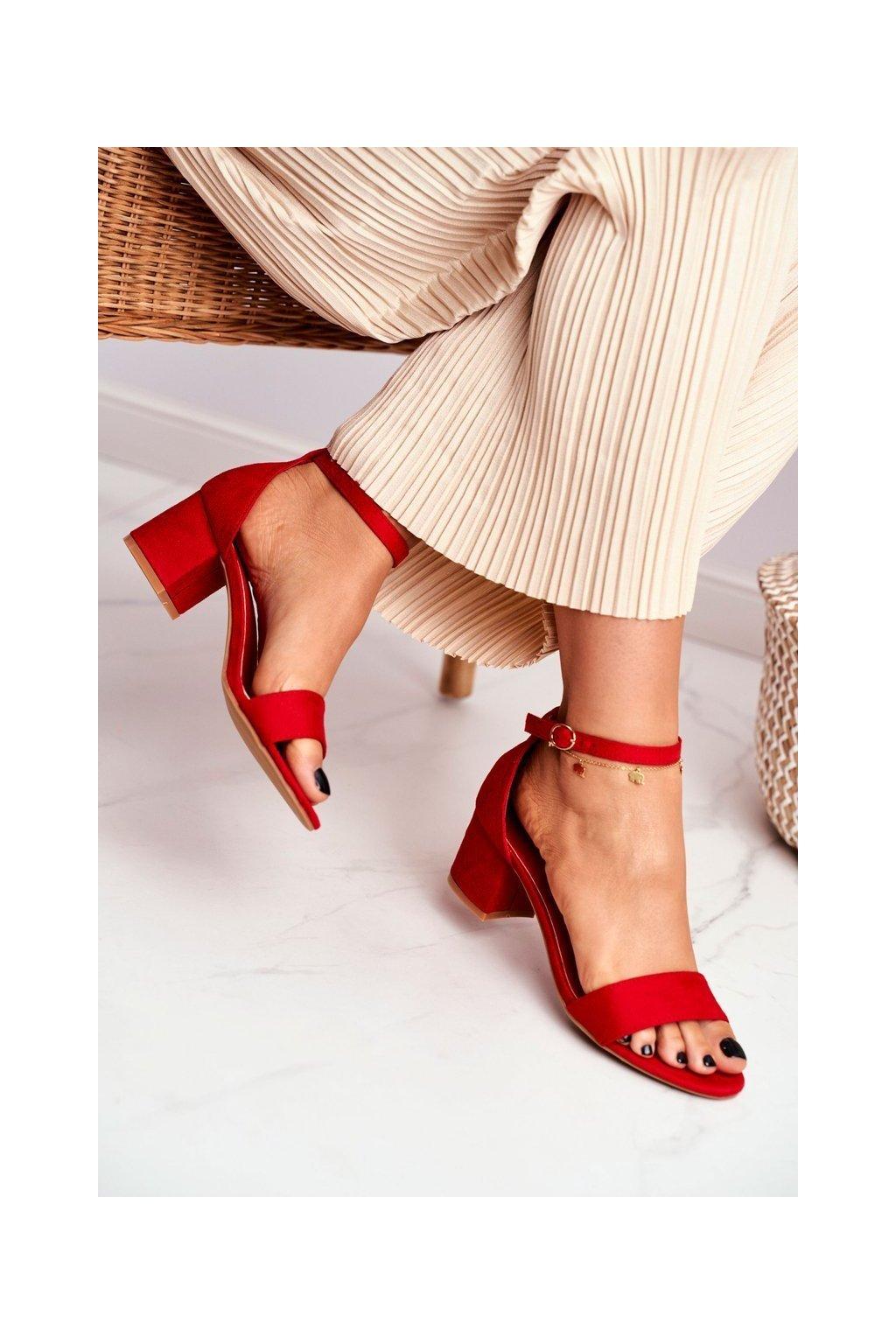 Dámske sandále farba červená kód obuvi LL68 RED