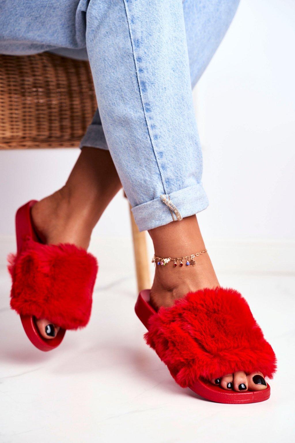 Dámske šľapky farba červená kód obuvi S-1 RED