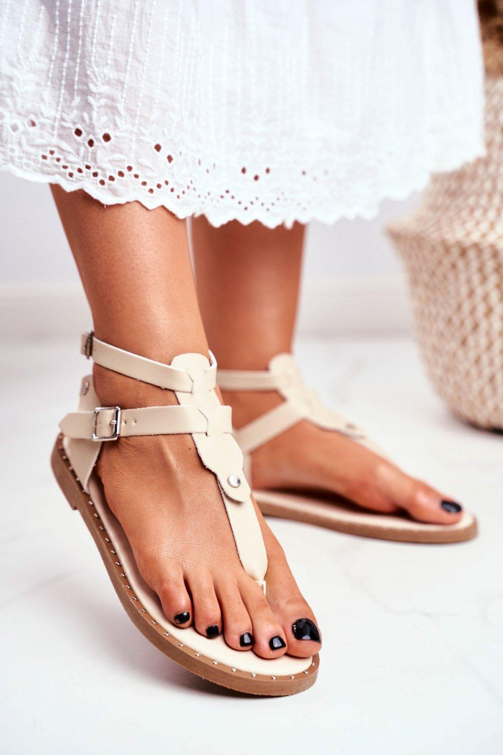 Dámske sandále s plochou podrážkou farba hnedá kód obuvi B12-5 APRICOT