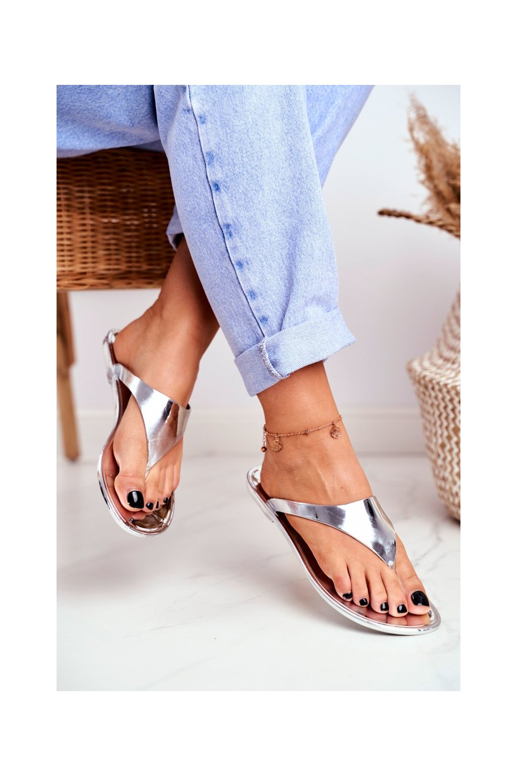 Dámske šľapky farba sivá kód obuvi ZY38-004-97 SILVER