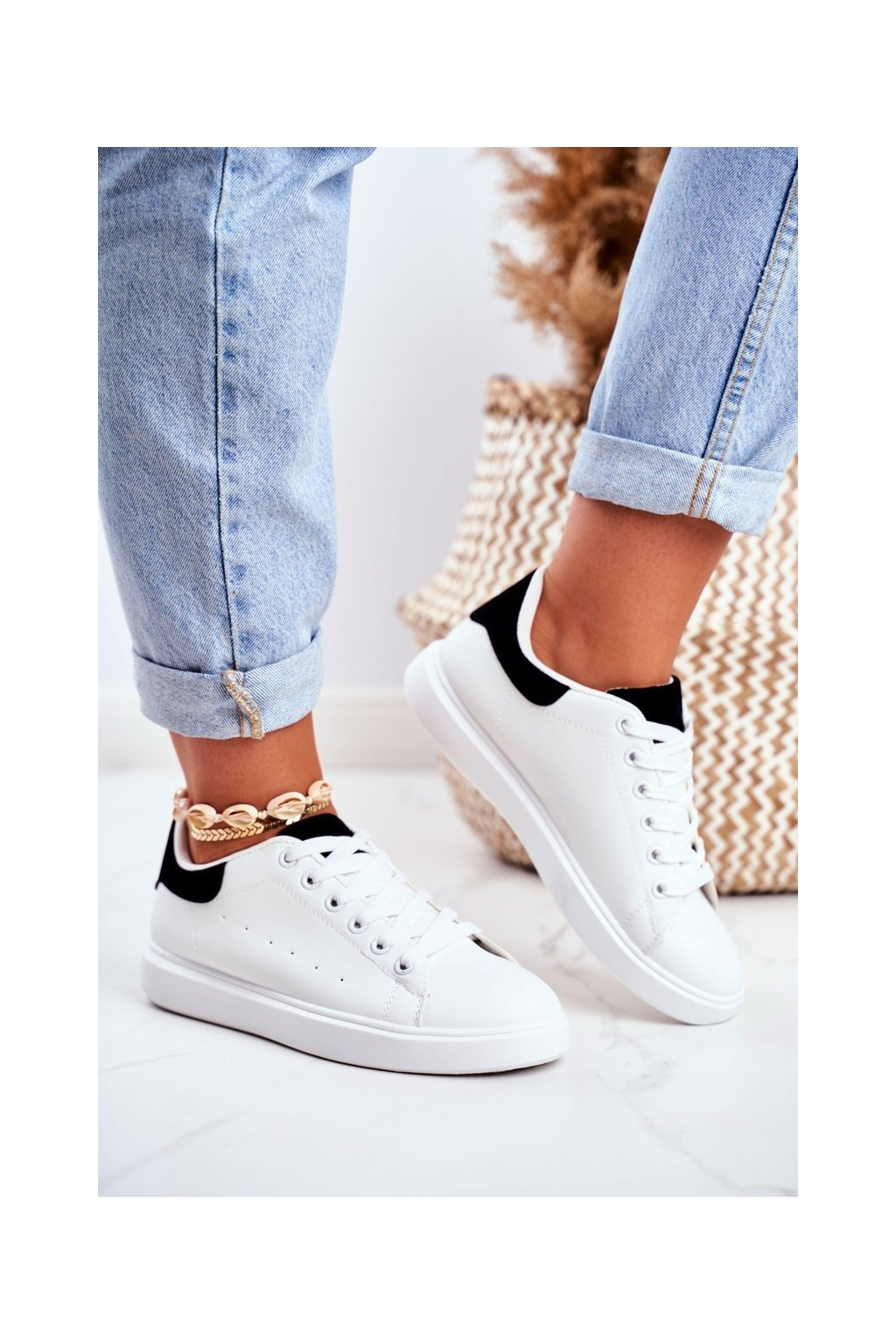 Dámske tenisky farba čierna kód obuvi LA85 BLK