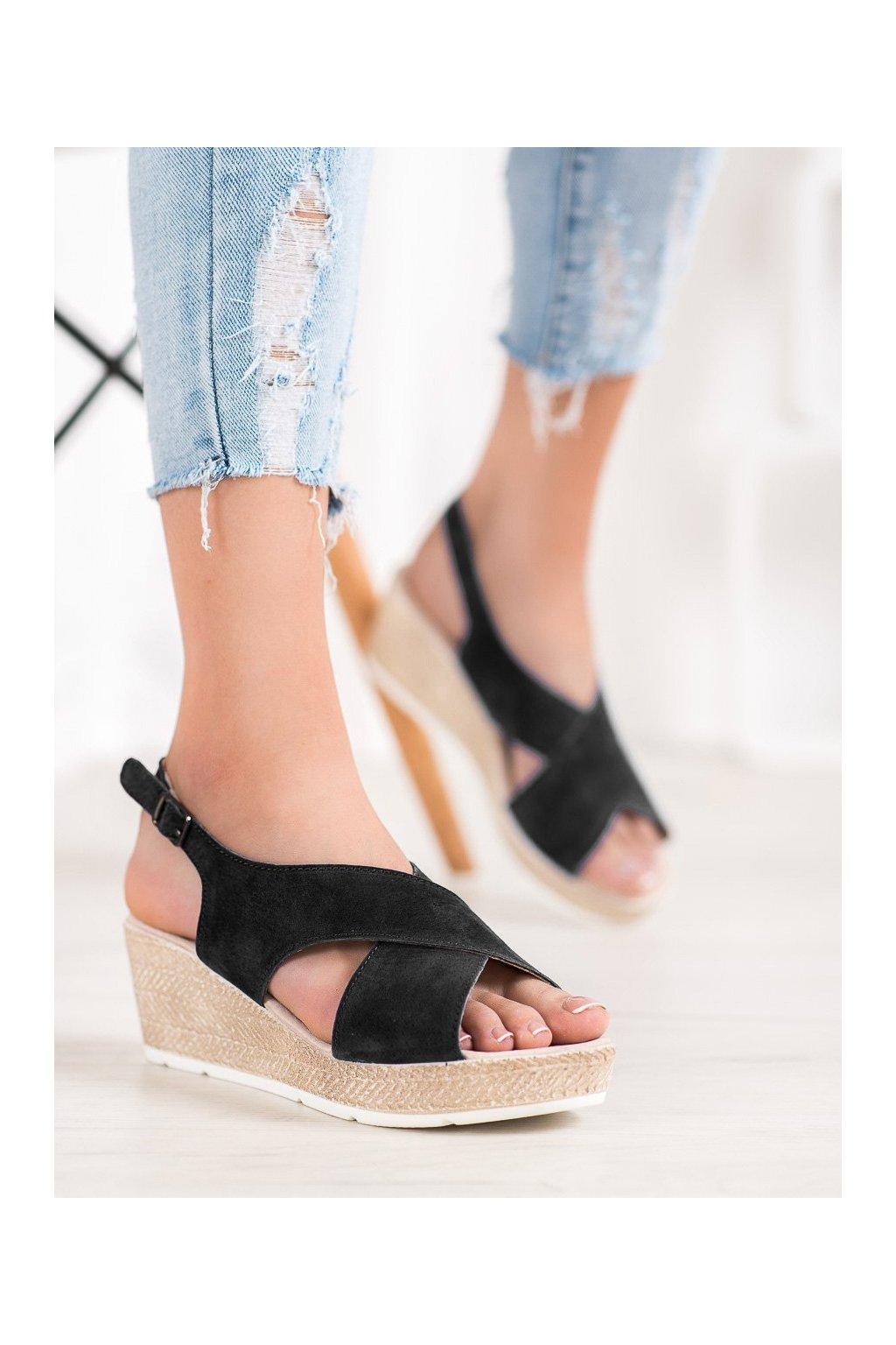 Čierne sandále na platforme Filippo kod DS1331/20B